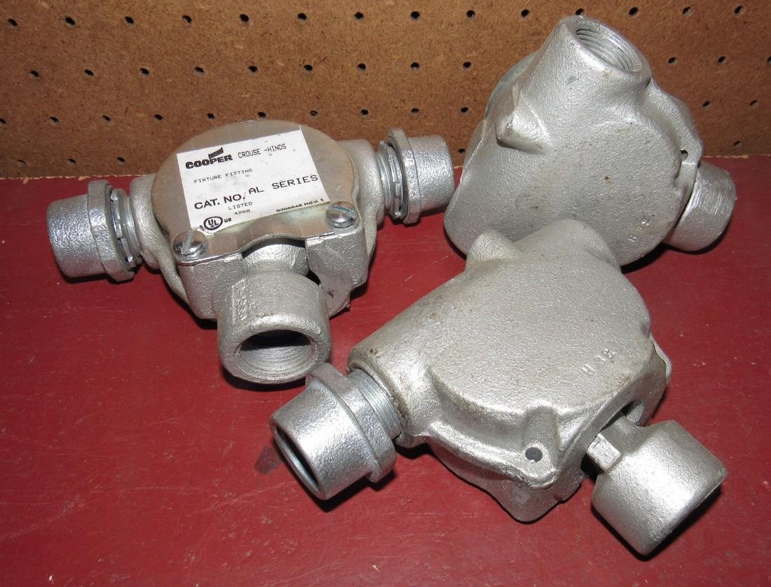 3 Crouse Hinds AL Series Fixture Fittings - 2
