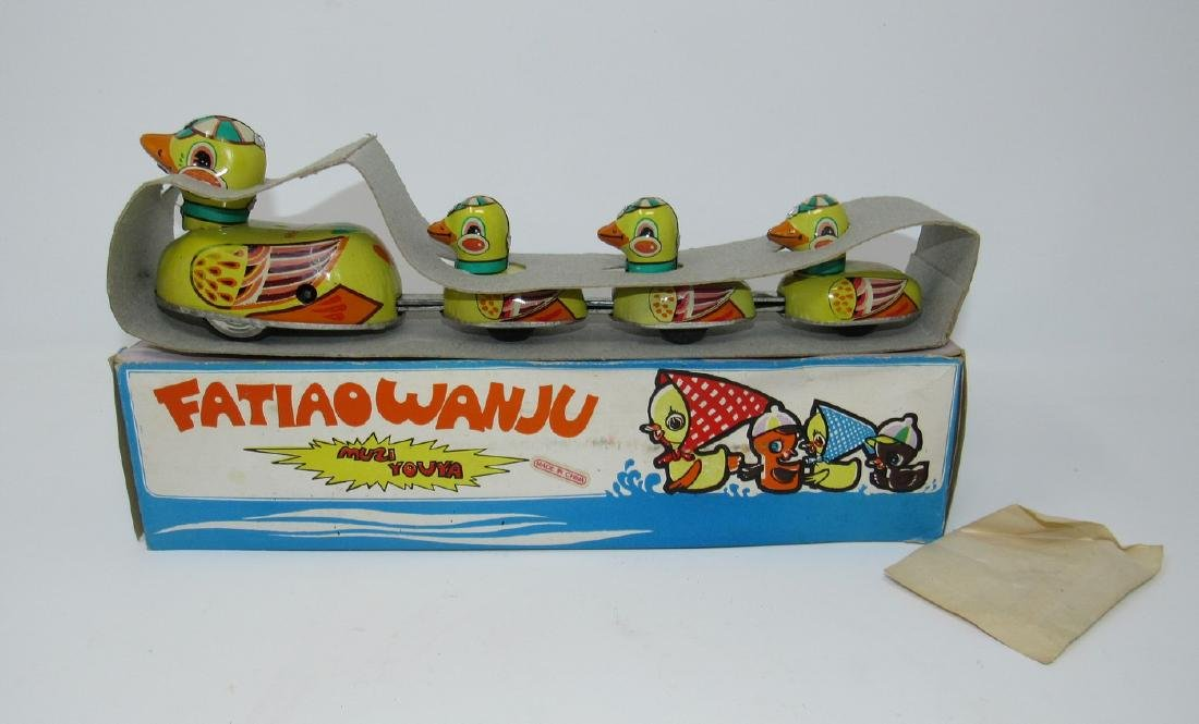 Muziyouya Fatiaowanju Wind Up Ducks Toy