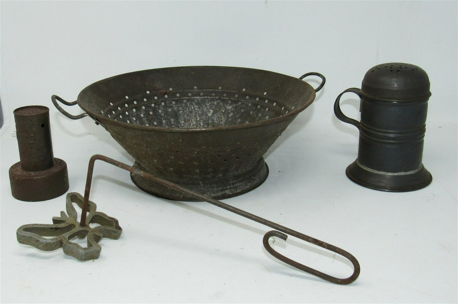 Tin ware Strainer Shaker Rumford Lid