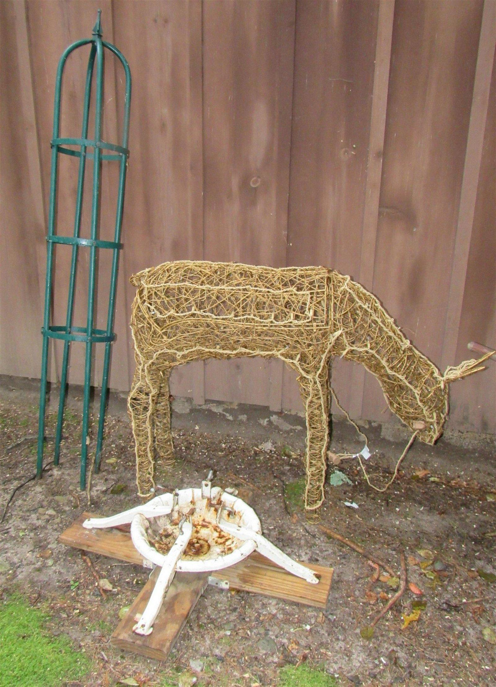 Christmas Deer Tree Stand Rack