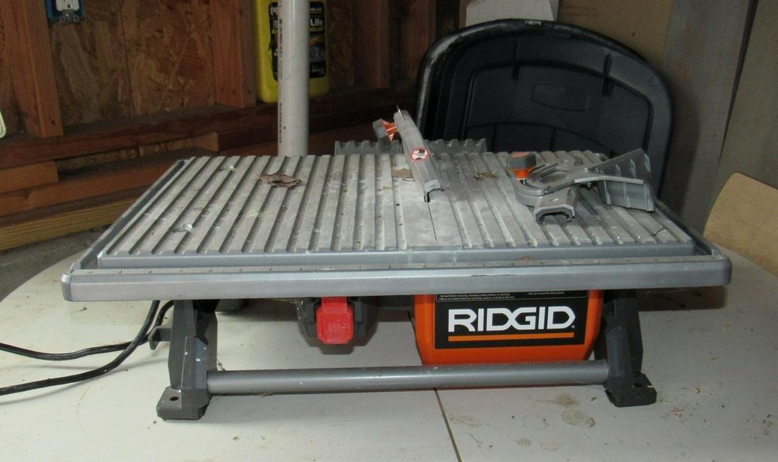 Rigid 7 inch Tile Saw