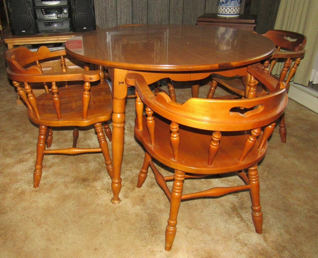 Maple Dining Room Table and 4 Chairs
