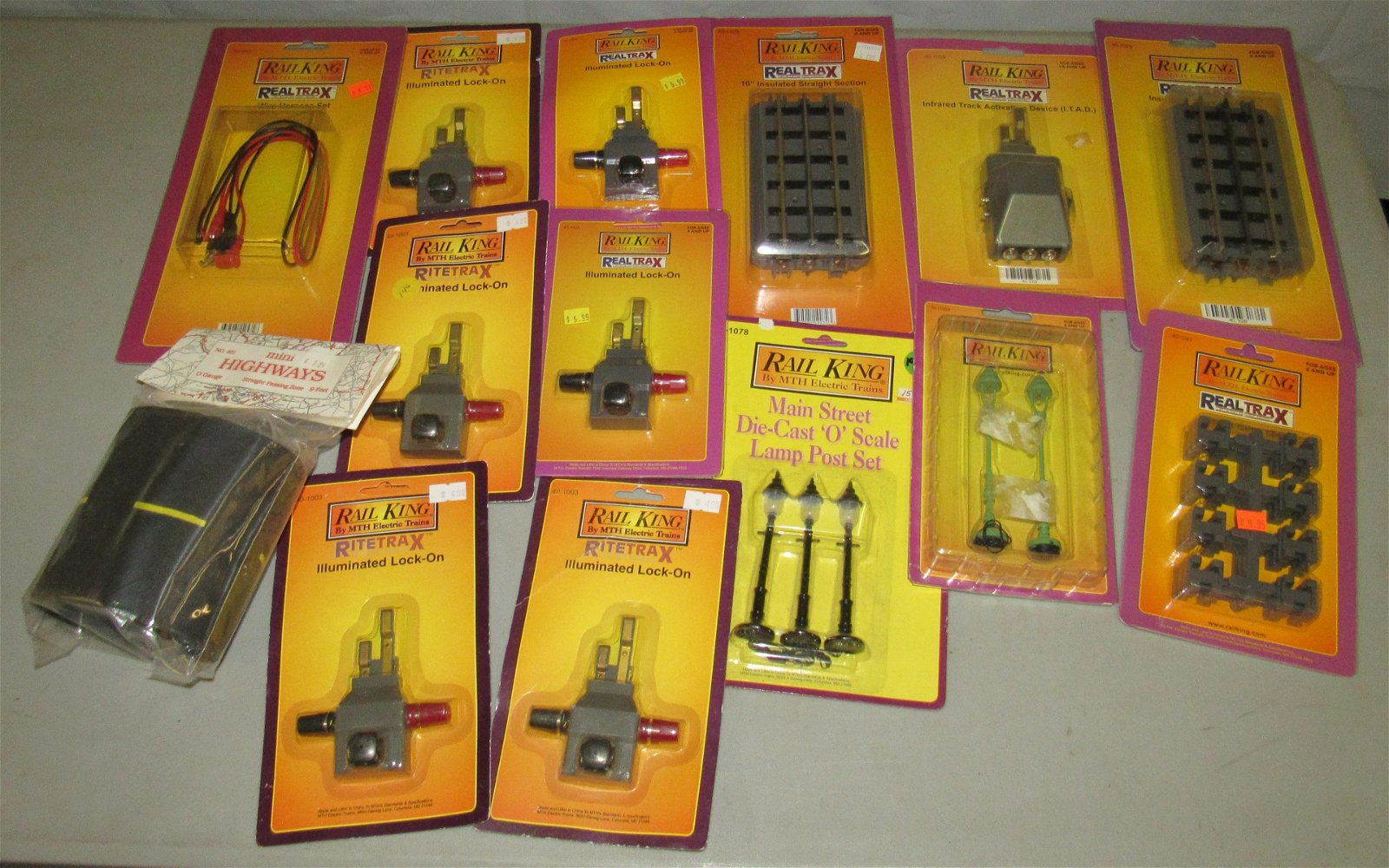 Rail King Lock Ons Lamps Posts Straight Track