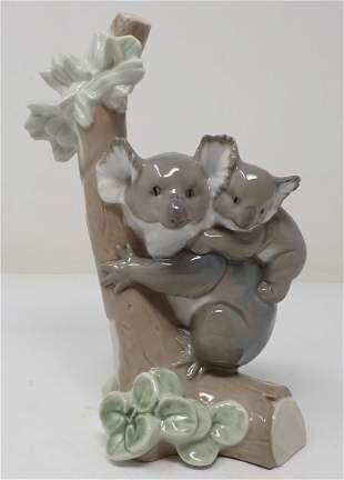Lladro Porcelain 5461 Koala Love