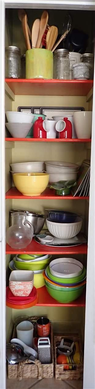 Kitchen Closet Contents Mixing Bowls & Misc