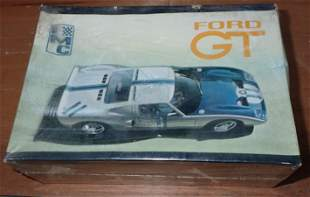 IMC Ford GT 1:25 Scale Model