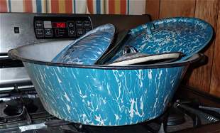 Agateware Pan and Lids