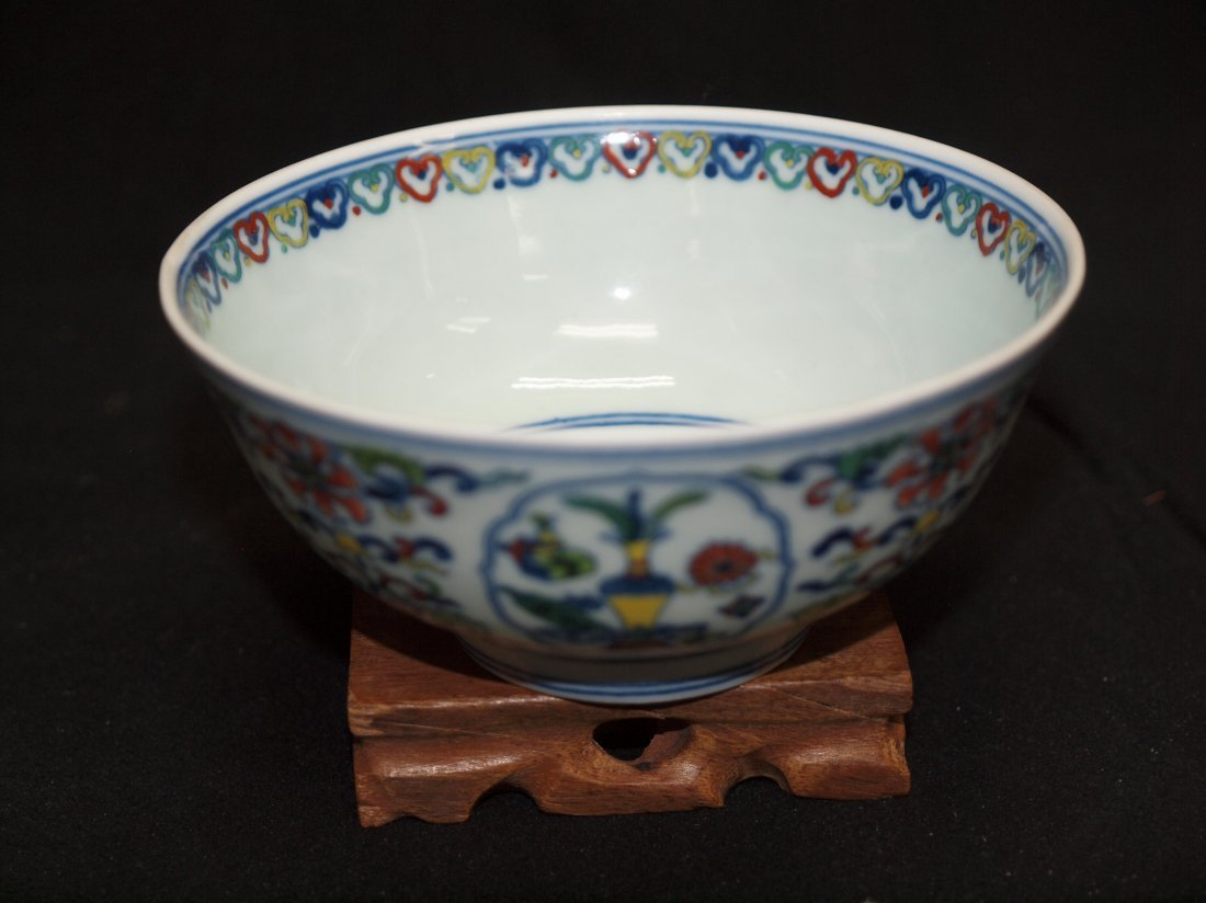 Doucai Bowl with Marking