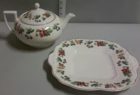 Wedgwood Queen's Ware Provence Tea Pot and Serving Tray