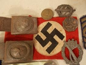 LOT OF US & GERMAN WWII PINS & MEDALS