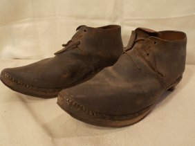 PAIR CIVIL WAR ERA BROGAN SHOES