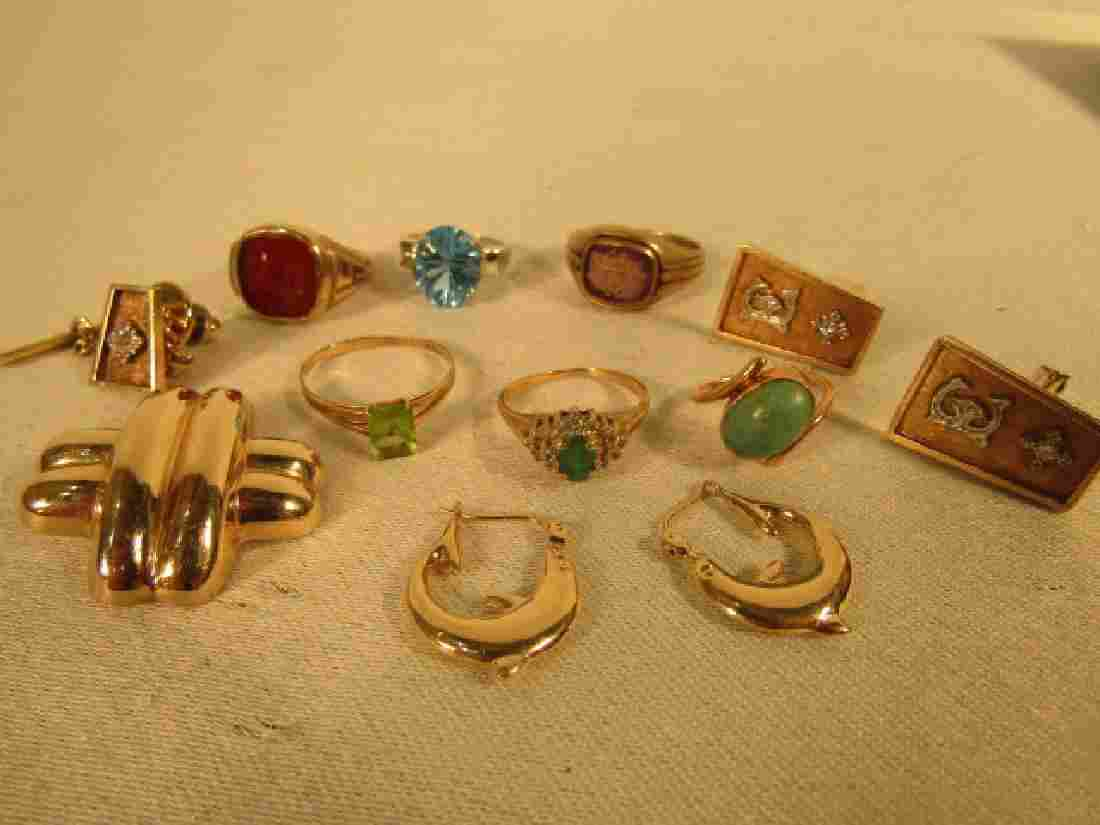 ASSORTED LOT GOLD RINGS & JEWELS