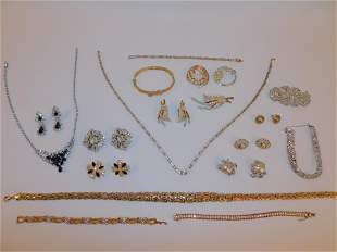 LOT DESIGNER COSTUME JEWELRY