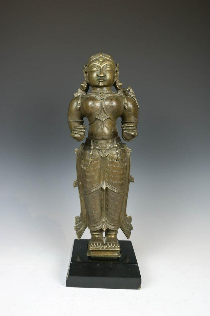 INDIAN BRONZE STANDING FEMALE ATTENDANT, 19TH C.