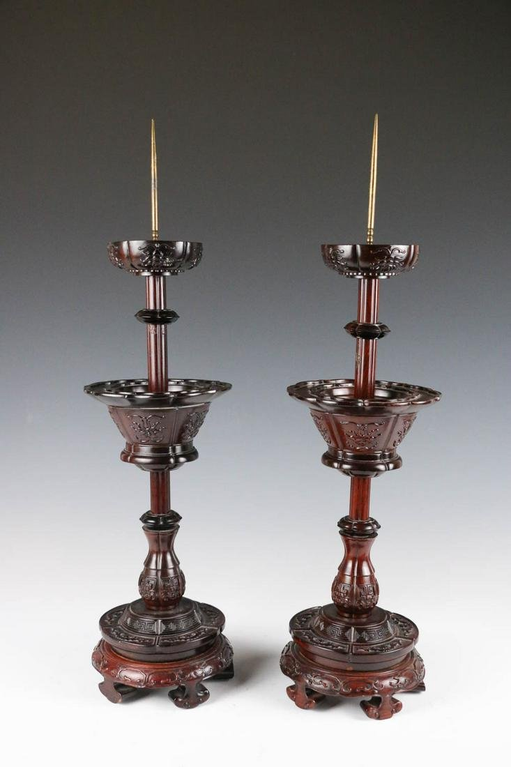 A PAIR OF WOOD CANDLESTICKS, 20TH C