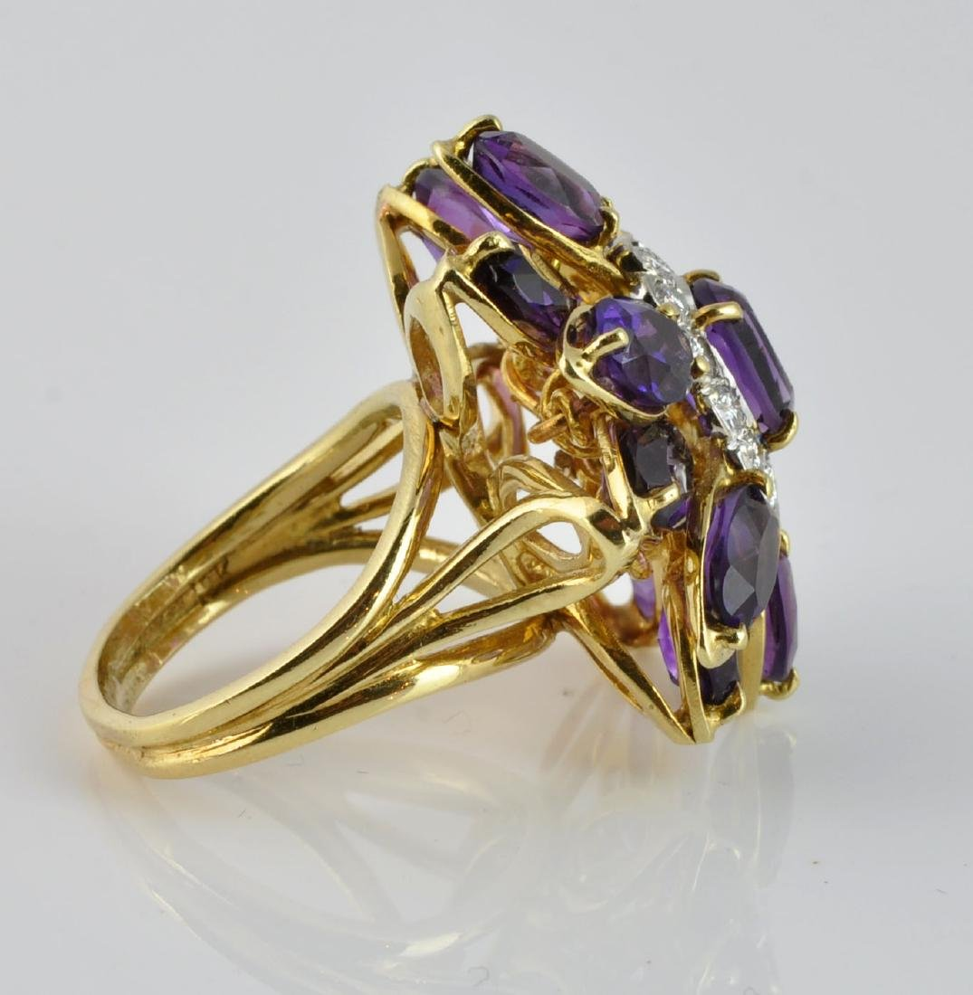 Large Amethyst & Diamond Ring in 18Kt Gold - 2