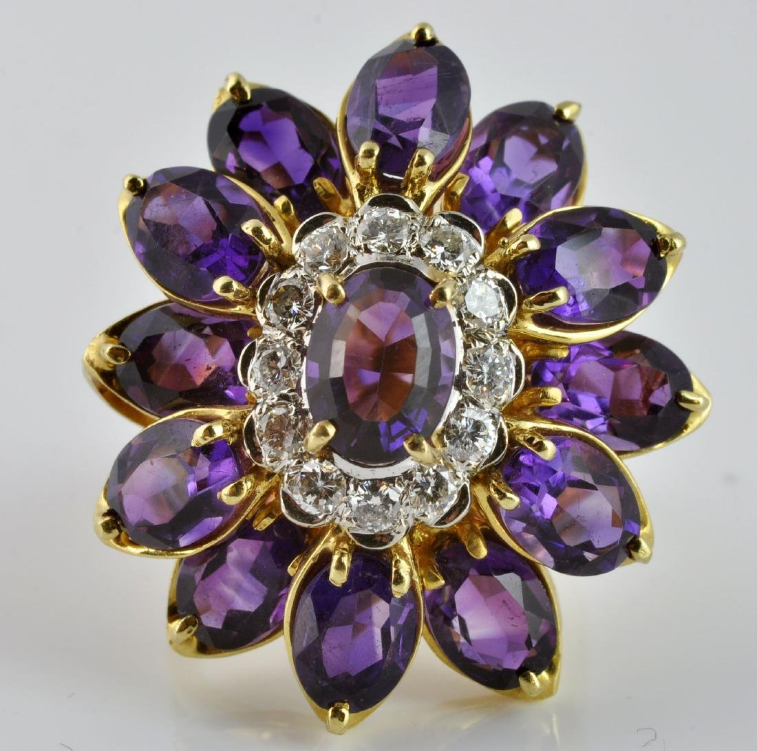 Large Amethyst & Diamond Ring in 18Kt Gold - 5