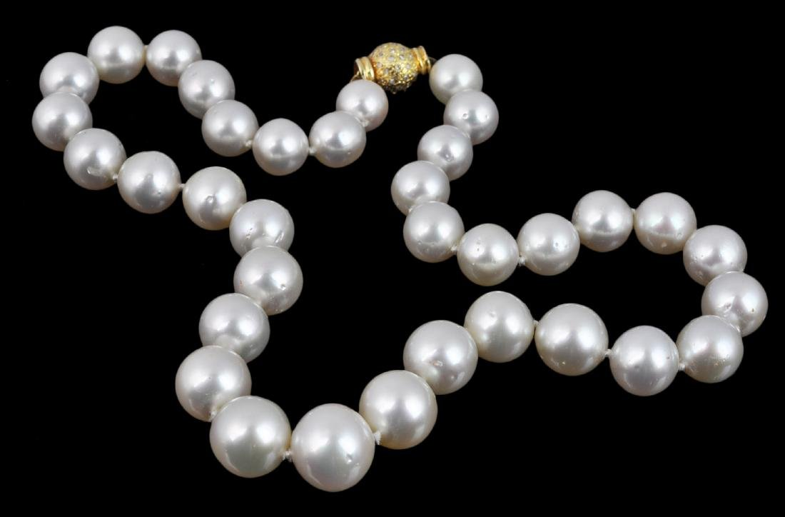 10-14mm One Strand Pearl Necklace w/ 14kt Clasp