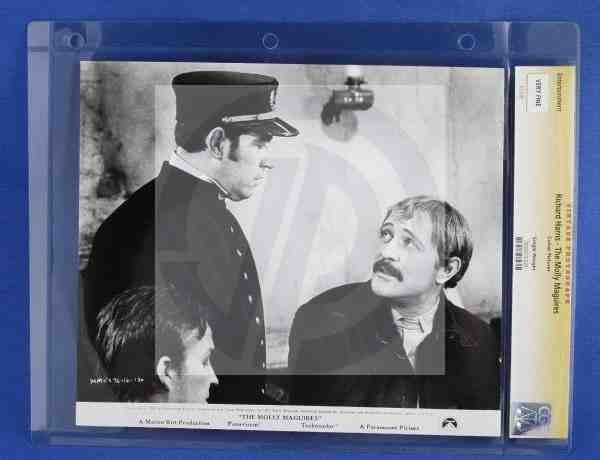 1012: CGC Photo Richard Harris The Molly Maguires 1969