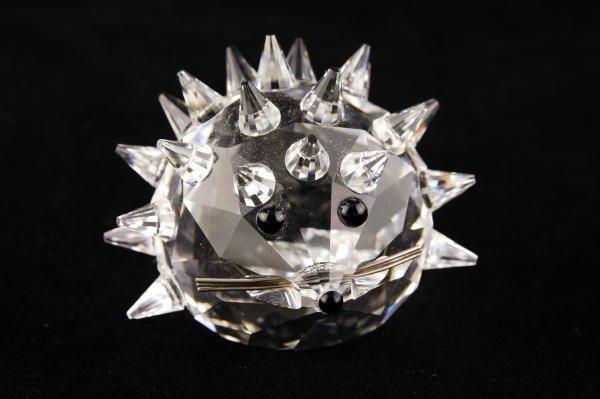8C: Swarovski Crystal Large Hedgehog Metal Whiskers