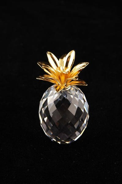 11A: Swarovski Crystal Small Gold Pineapple Smooth