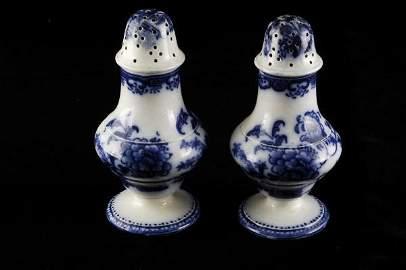 613: Wedgwood Chusan Flow Blue Salt & Pepper Shakers
