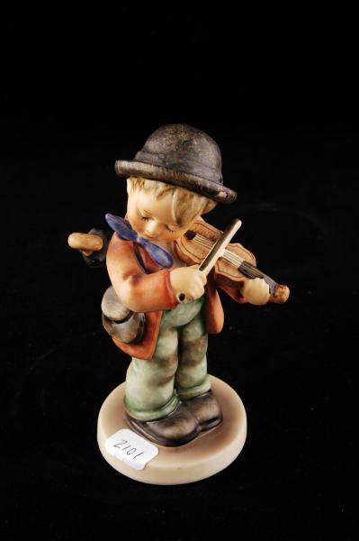 2101: Hummel Figurine Little Fiddler 4 TMK 5