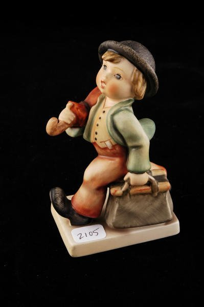 2105: Hummel Figurine Merry Wanderer 11/0 TMK 3