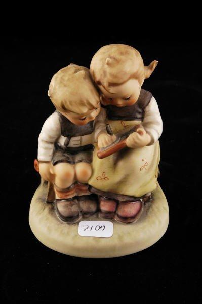 2109: Hummel Figurine The Smart Little Sister 346 TMK 4