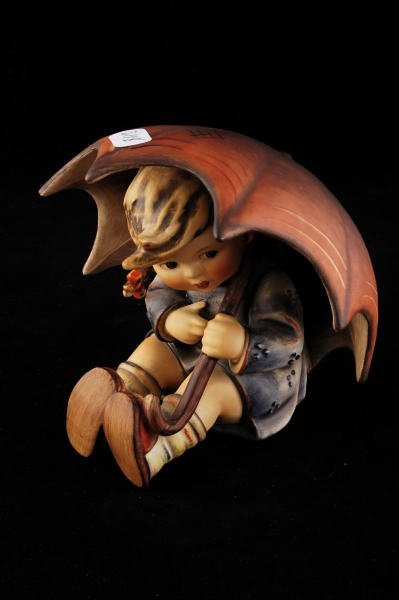 2118: Hummel Figurine Umbrella Girl 152/0/B TMK 4