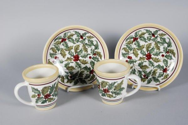 1018: 2 Longaberger Pottery Holly Mugs & 2 Plates