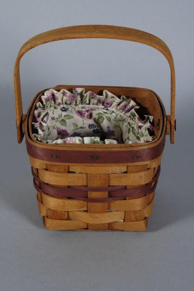 1958: Longaberger Basket 1990 May Violet with Liner