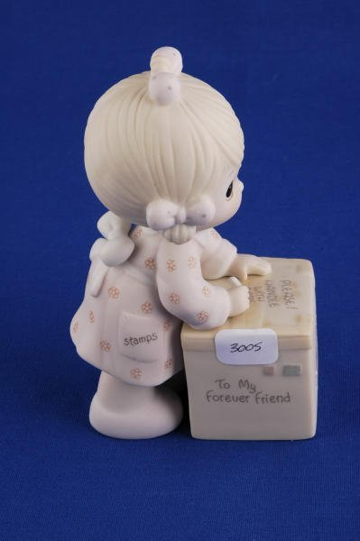 3005: Precious Moments Figurine Sharing is Universal