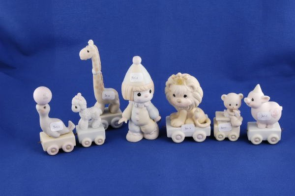 3011: 7 Precious Moments Figurine Birthday Series Train
