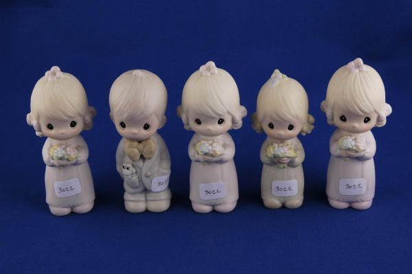 3022: 5 Precious Moments Figurines Wedding Party Groom+