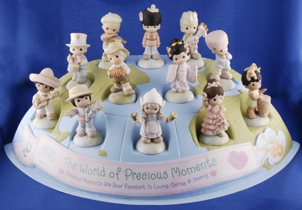 3343: 12 World of Precious Moments Figurines & Display