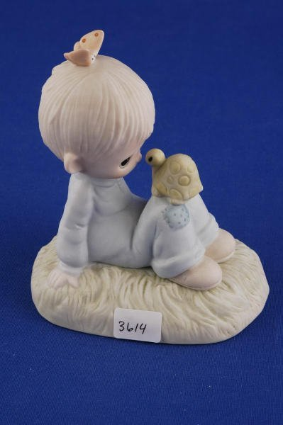 3614: Precious Moments Figurine Love is Kind, with Box