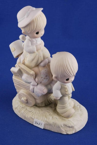 3621: Precious Moments Figurine Walking By Faith + Box