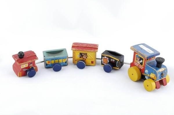 1002: 1955 Fisher Price Choo Choo Train #215 Pull Toy