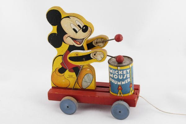 1011: 1941 Fisher Price Mickey Mouse Drummer #476