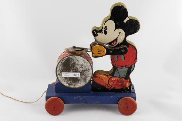 1022: 1937 Fisher Price Mickey Mouse Drummer #795