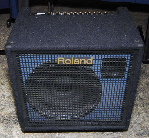 1690: Roland KC500 Keyboard Stereo Mixing Amplifier