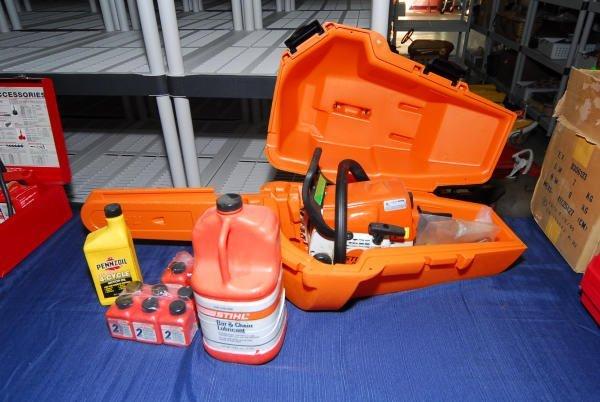 1700: Stihl 018C Chainsaw + Lubricant & Oil in Case
