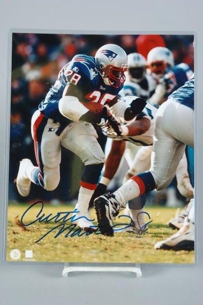 18: Patriots Curtis Martin Autographed 8x10 Photo