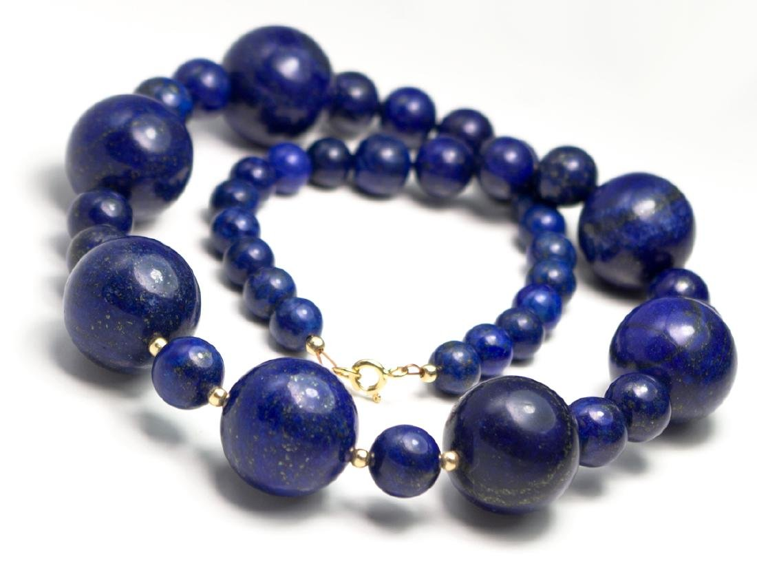 Lapis lazuli necklace in 18 kt gold