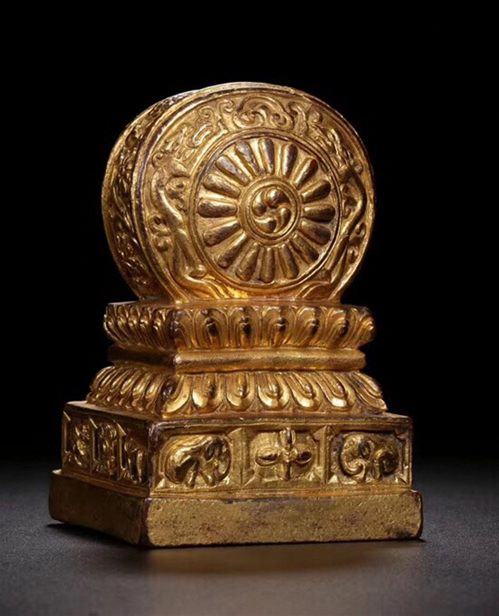 A CARVED BRONZE DRAGON SEAL.QING PERIOD