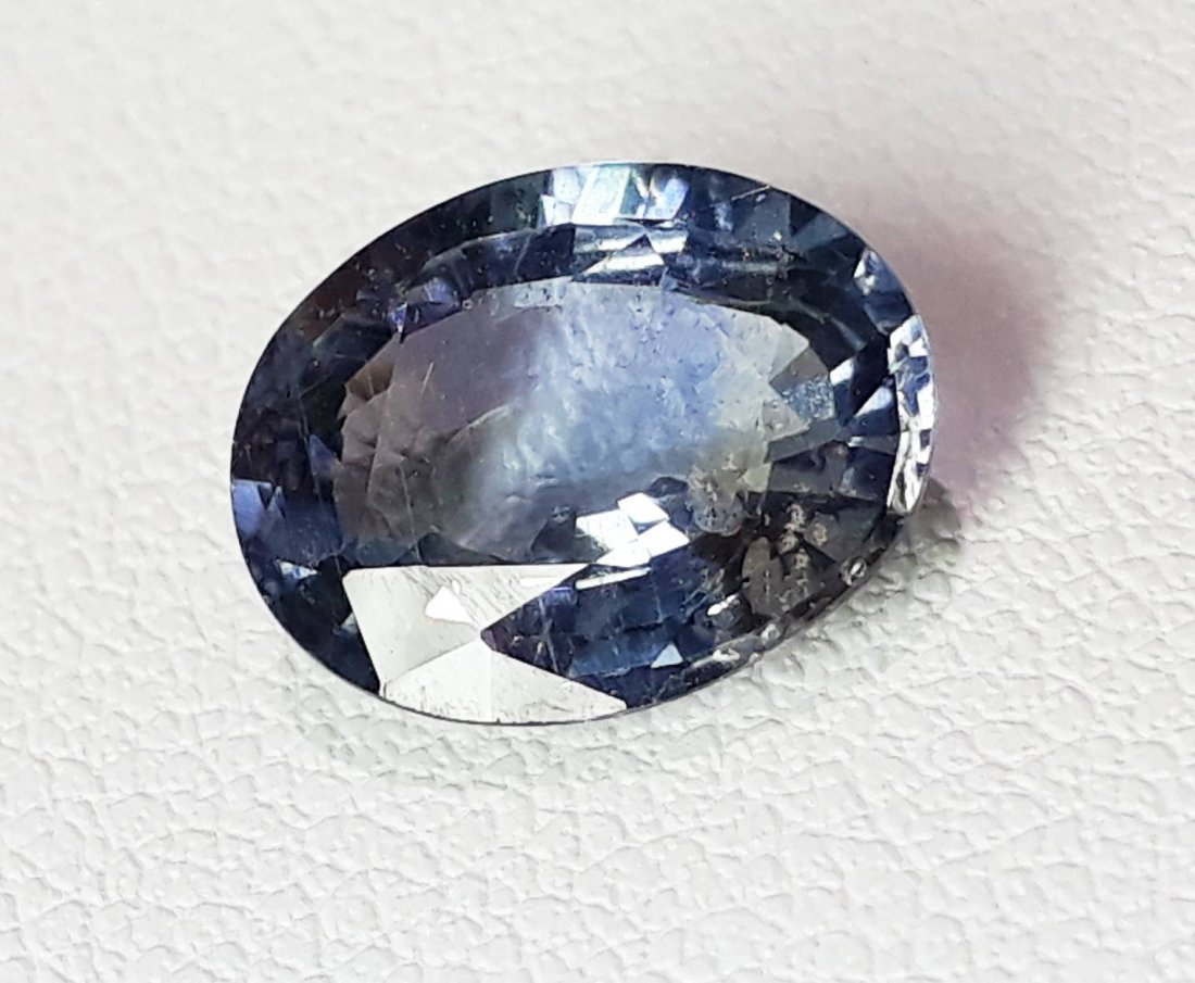 Natural Spinel - 2.81 ct.