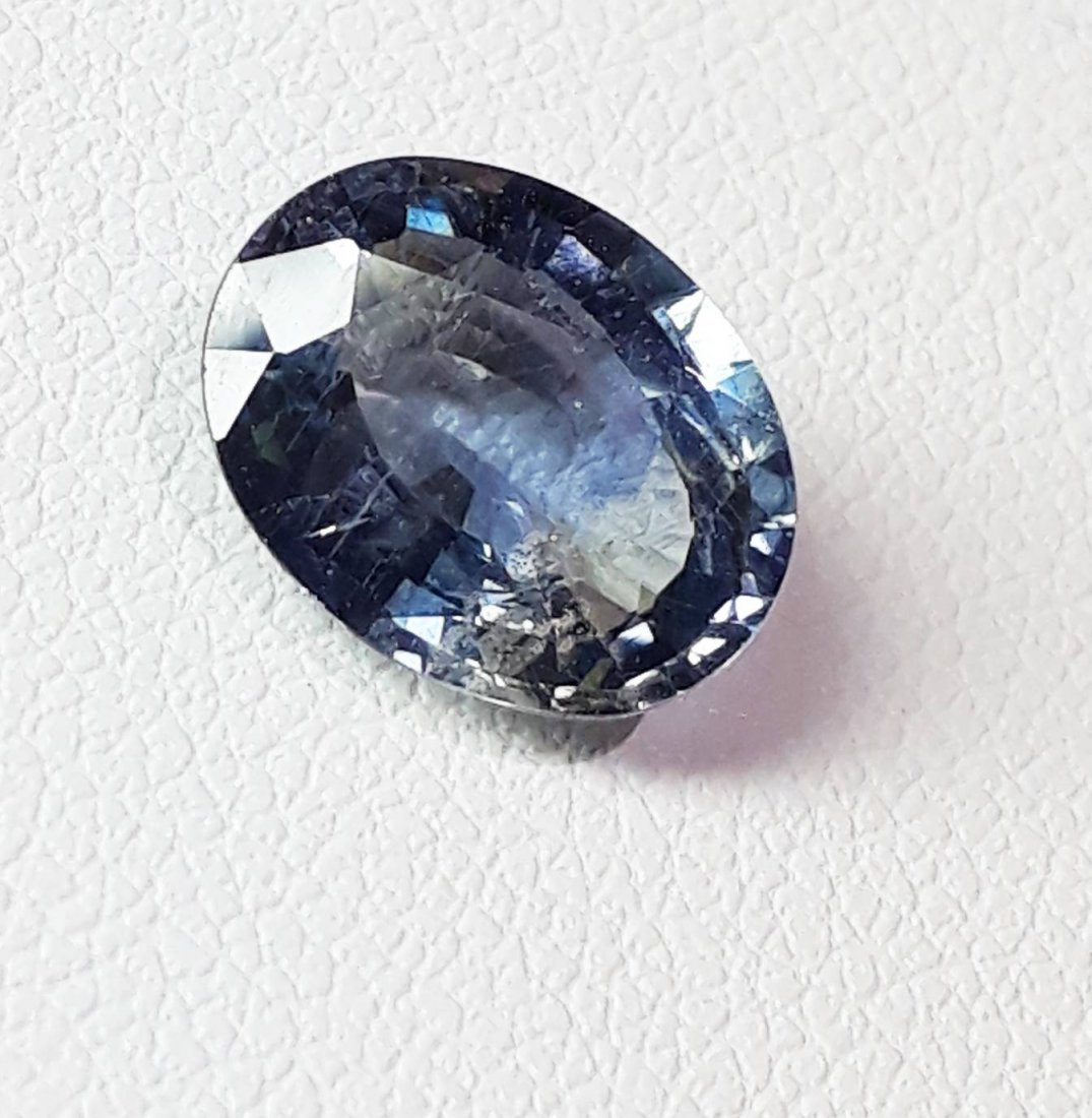 Natural Spinel - 2.81 ct. - 3