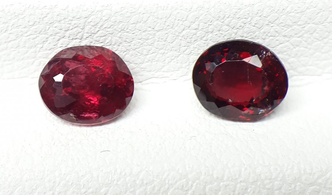 Natural Spinel - 2 Pieces - 1.35 ct.