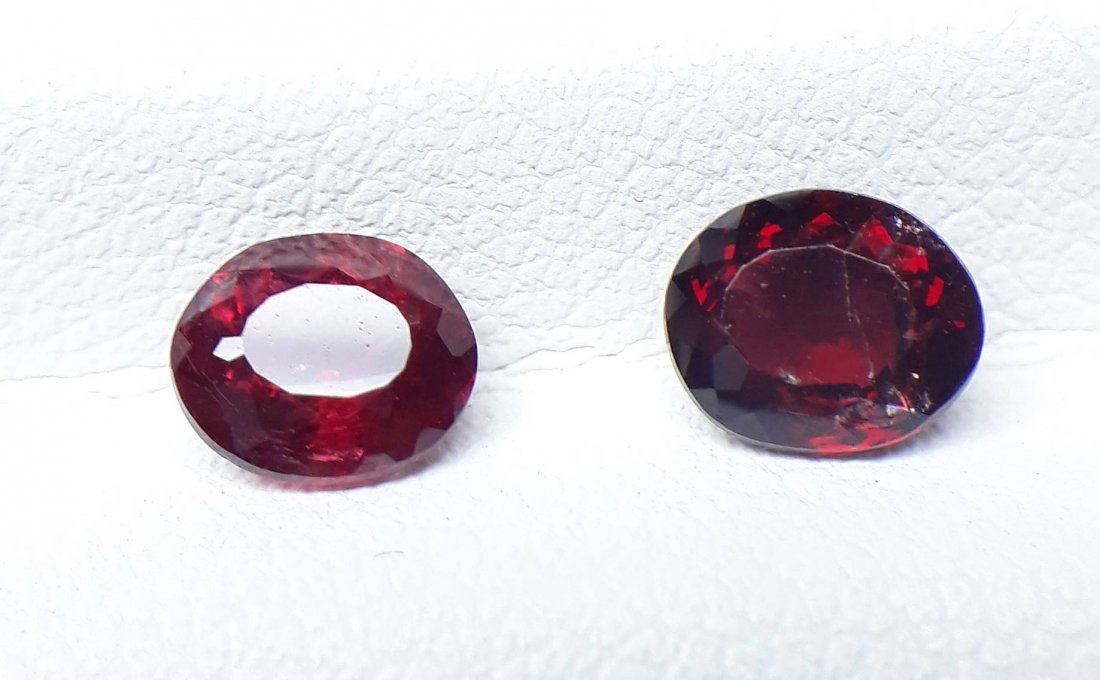 Natural Spinel - 2 Pieces - 1.35 ct. - 3